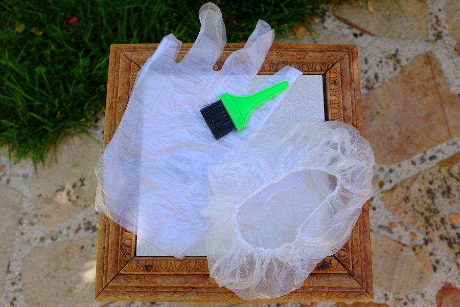 Charlotte, gants et pinceau Radico